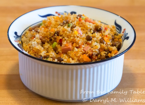 Quinoa con gandules ready to serve