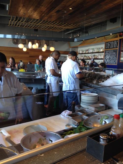 Non-stop oyster shucking