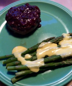 Filet marchand de vin with asparagus and hollandaise