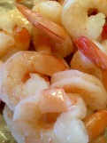 Boiled shrimp with and without tails